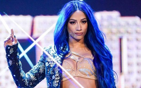 Sasha Banks Returns SmackDown