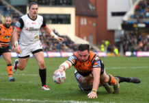 Castleford Tigers win opener against Toronto Wolfpack