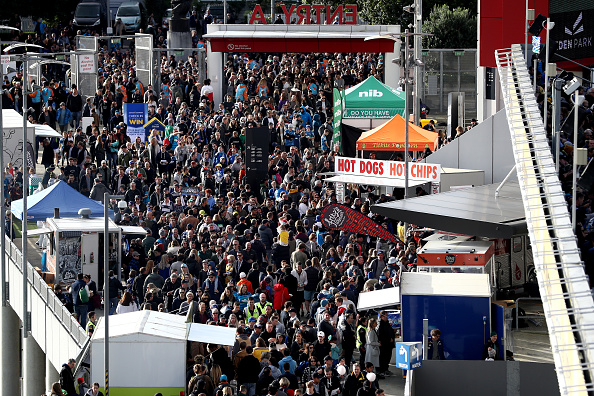 Fans, fans, fans everywhere; Super Rugby Aotearoa