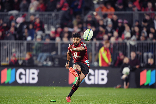 Richie Mo'unga answers call in local derby victory