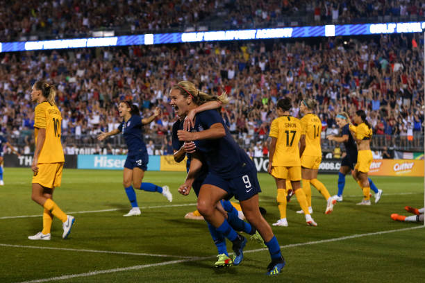 quality design 814e9 e6f67 Lindsey Horan, USWNT Squeak Out 1-1 Draw Against Australia
