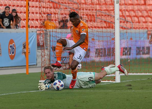 Dynamo Defeat Sporting KC