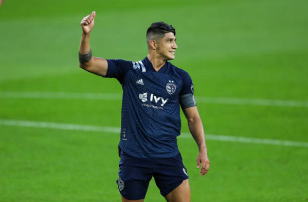 Alan Pulido Sporting KC outlast Colorado Rapids
