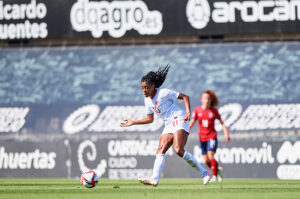 CanWNT player Ashley Lawrence in action against the Czech Republic at Estadio Cartagonova