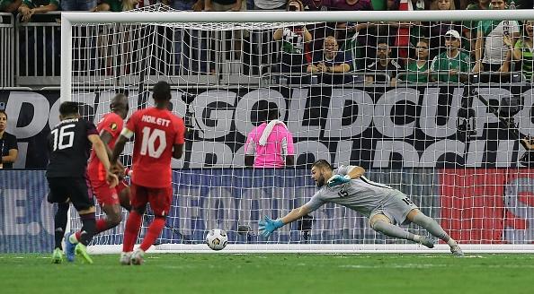 Mexico player Héctor Herrera scores the game-winning goal at NRG Stadium