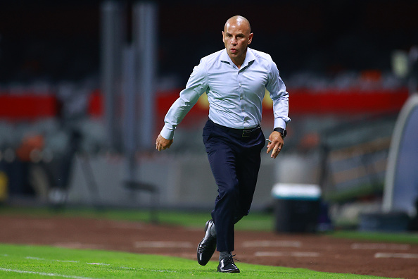 d coach Chris Armas in the second leg of the Concacaf Champions League quarterfinals at Azteca Stadium