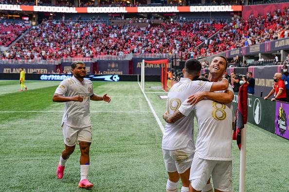 Atlanta United FC teammates congratulates Ezequiel Barco for his goal at Mercedes-Benz Stadium