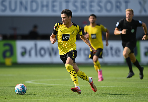 Dortmund player Gio Reyna controls the ball on August 21