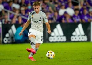 CF Montréal midfielder Djordje Mihailovic passes the ball in Orlando, Florida