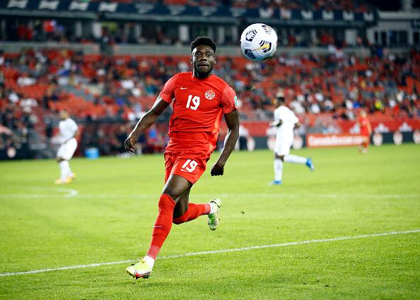 Alphonso Davies membawa Kanada meraih kemenangan mendebarkan atas Panama