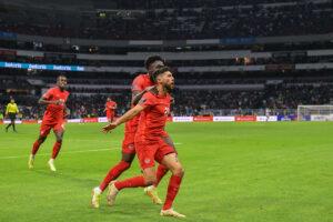 CanMNT player Jonathan Osorio celebrates goal at Estadio Azteca