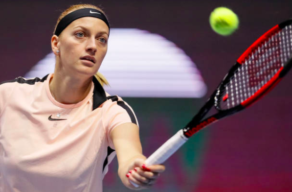 Kvitova beats Muguruza for 2nd straight title