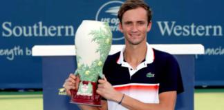 Daniil Medvedev Cincinnati trophy Western & Southern Open