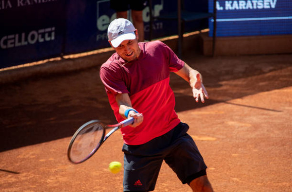 Aslan Karatsev in action on the ATP Challenger Tour