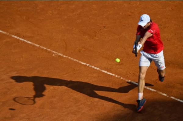 Casper Ruud in action at the ATP Hamburg Open
