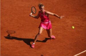 Katerina Siniakova in action ahead of the WTA Strasbourg International