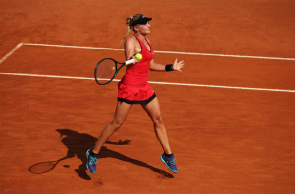Dayana Yastremska in action ahead of the French Open