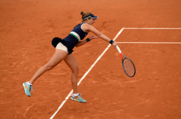 Nadia Podoroska in action at the French Open