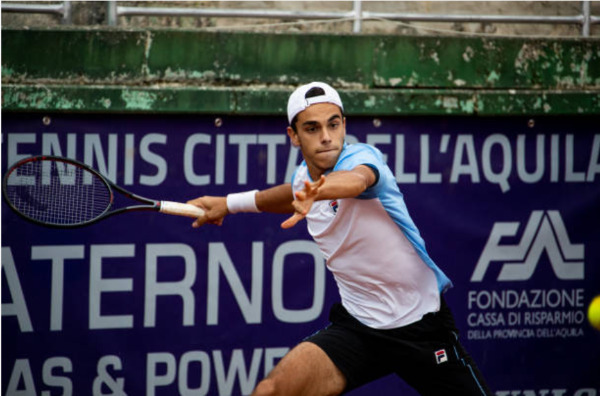 Francisco Cerundolo in action on the ATP Challenger Tour