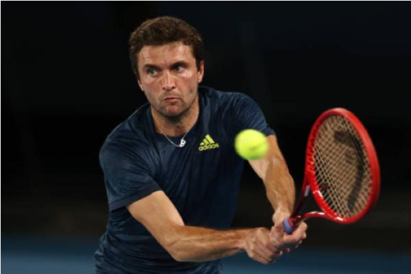 Gilles Simon in action at the ATP Sardinia Open.