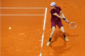 Jannik Sinner in action at the ATP Barcelona Open.
