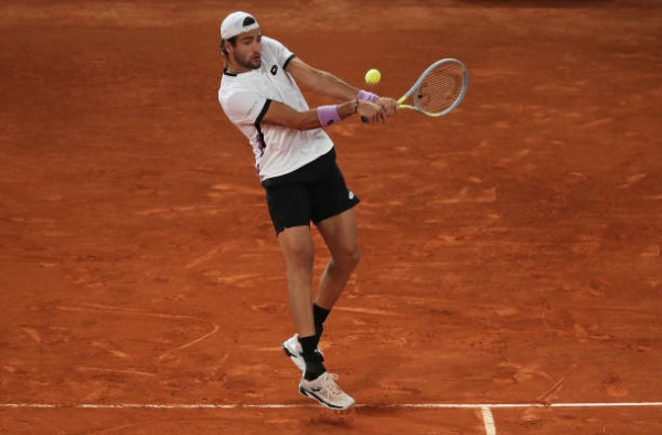Matteo Berrettini in action at the ATP Madrid Open.