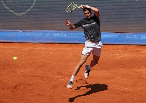 Federico Delbonis in action at the ATP Belgrade Open.