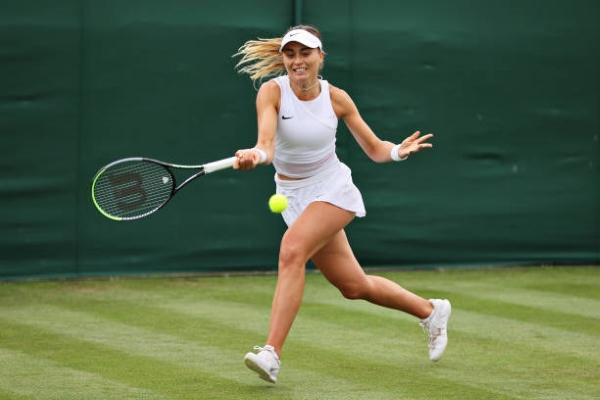 Paula Badosa in action at Wimbledon.