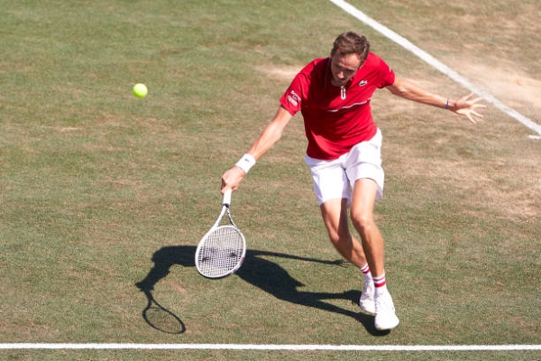 Daniil Medvedev in action at the ATP Mallorca Open.