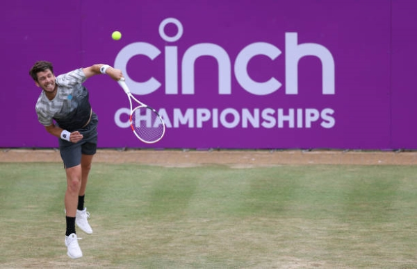 Cameron Norrie in action at the ATP Queen's Club Championships.