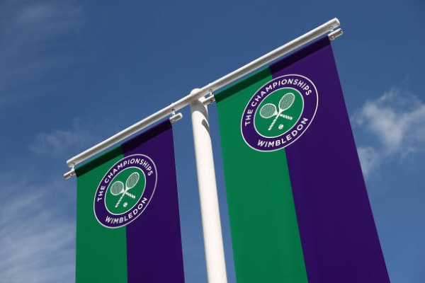 Who will lift the women's singles title at Wimbledon?