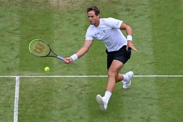 Vasek Pospisil in action at the ATP Newport Open.