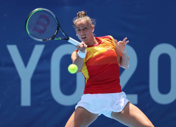 Sara Sorribes Tormo in action at the Tokyo Olympics.