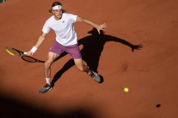 Stefanos Tsitsipas in action at the ATP Hamburg Open.