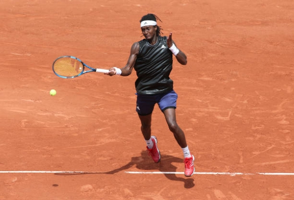 Mikael Ymer in action ahead of the ATP Gstaad Open.