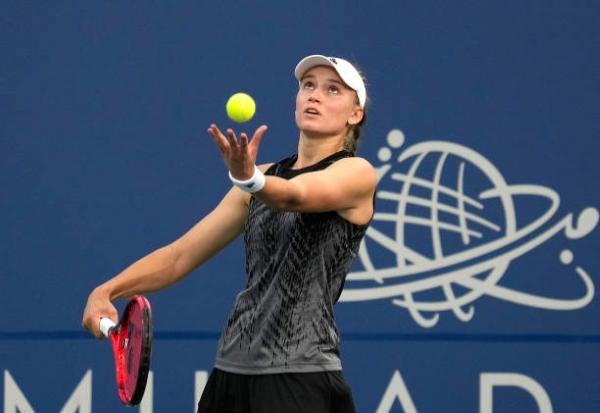 Elena Rybakina in action ahead of the WTA Cincinnati Open.