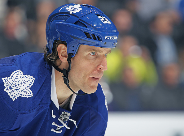Brooks Laich Mentoring Maple Leafs Rookies